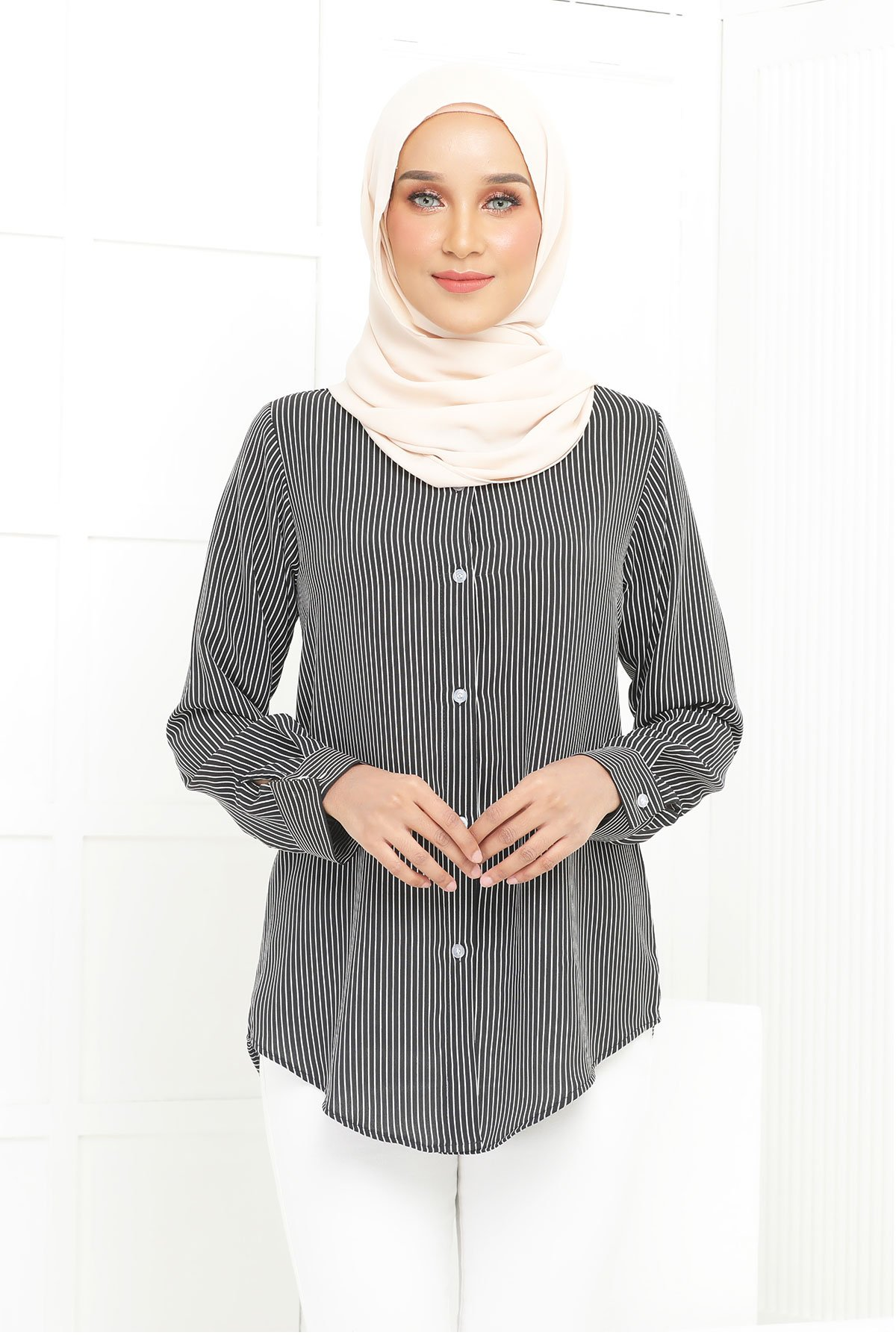Wardina Black Stripe